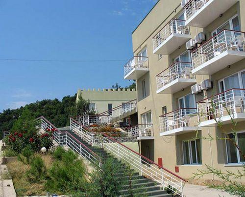 Великолепный отель на берегу моря minecraft